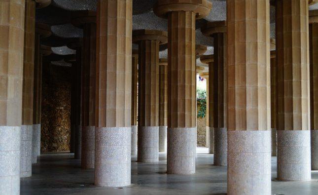 Portico sostenuto da colonne: cos'è e quando si usa?