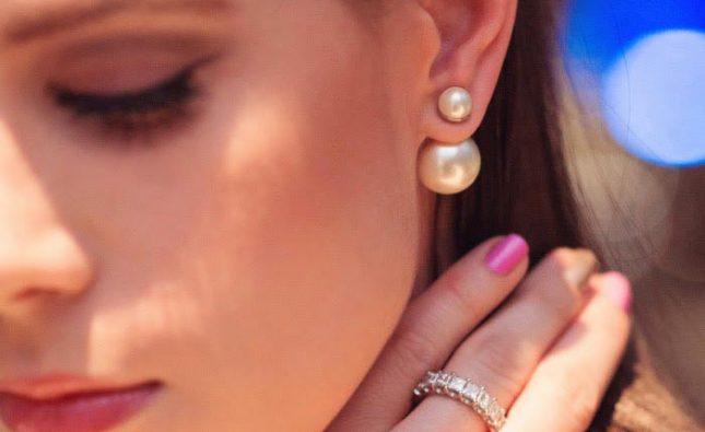 Orecchini doppia perla: dove acquistarli, prezzi e tipologie