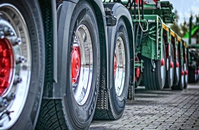 Veicoli commerciali e industriali: conviene fare l'assicurazione per camion online?