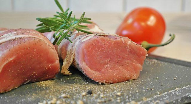 Filetto di maiale in crosta di pane: ingredienti e passaggi guidati