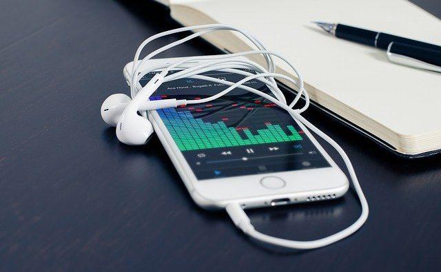 Trasferire rubrica da iPhone a Samsung: come fare e passaggi da seguire